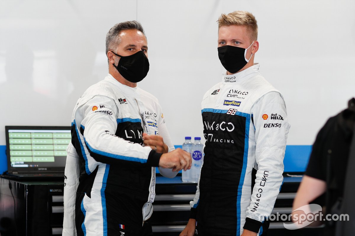 Yann Ehrlacher et Yvan Muller (pilotes WTCR)