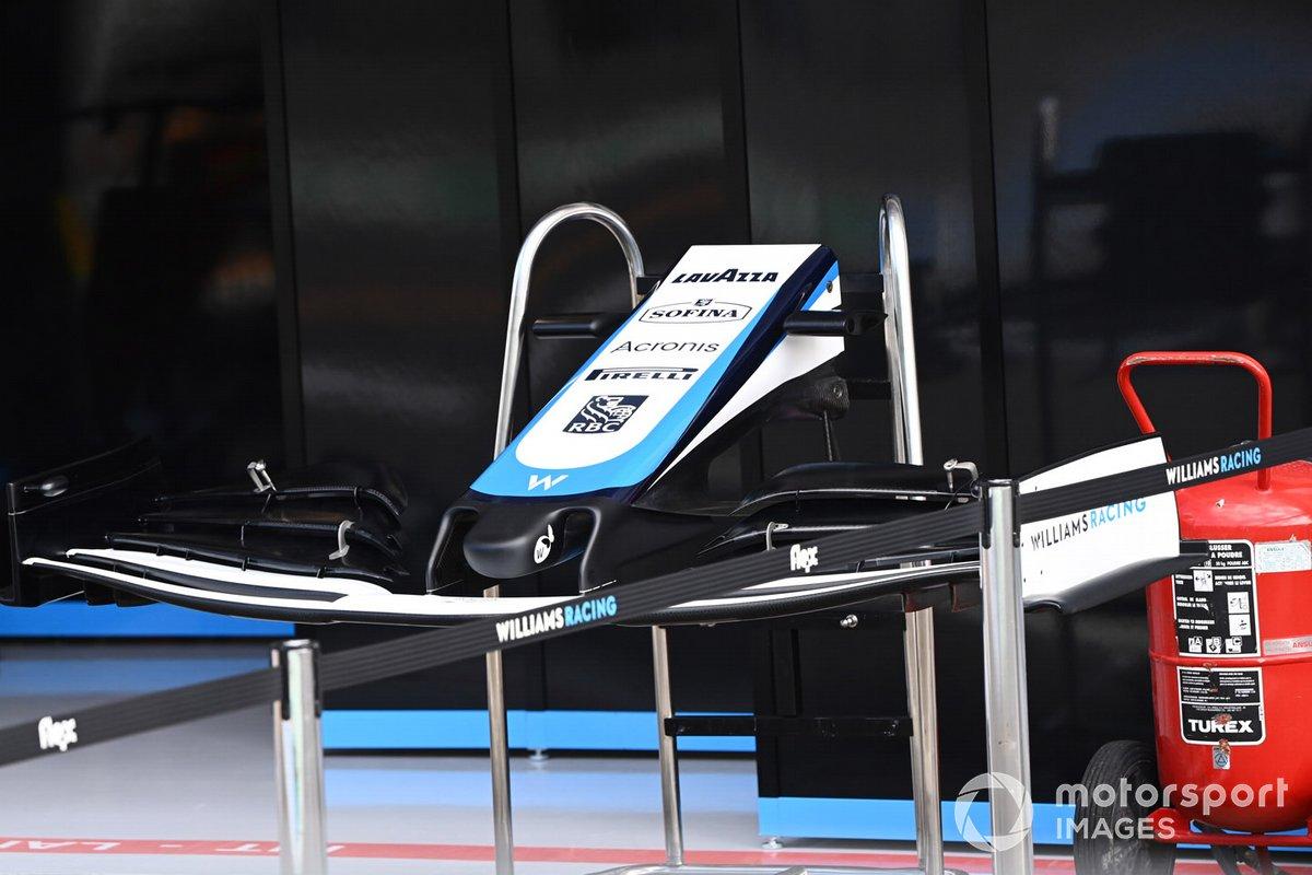 Detalle del alerón delantero del Williams FW43