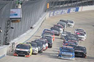 Brett Moffitt, GMS Racing, Chevrolet Silverado Arlon, Austin Hill, Hattori Racing Enterprises, Toyota Tundra United Rentals