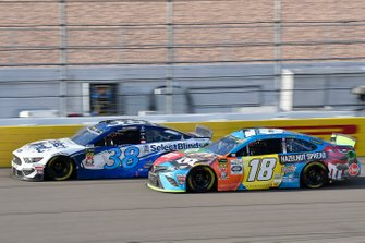 David Ragan, Front Row Motorsports, Ford Mustang Select Blinds, Kyle Busch, Joe Gibbs Racing, Toyota Camry M&M's Hazelnut