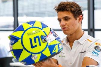 Lando Norris, McLaren with special Valentino Rossi tribute helmet
