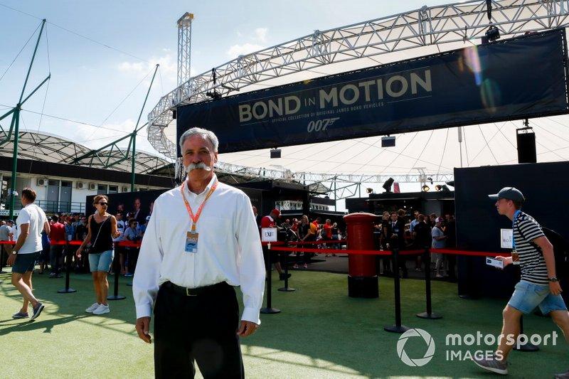 Chase Carey, Presidente della Formula 1alla mostra Bond in Motion