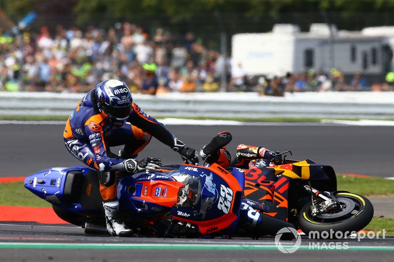 Sturz: Johann Zarco, Red Bull KTM Factory Racing, Miguel Oliveira, Red Bull KTM Tech 3