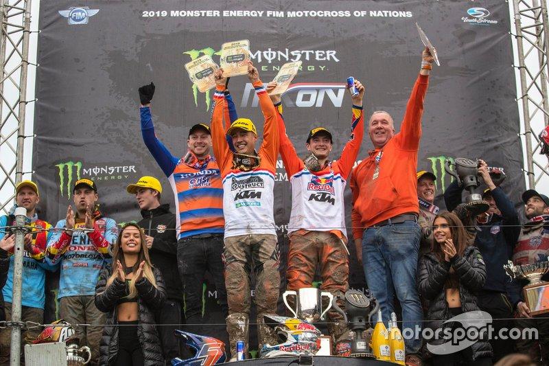 Olanda festeggia la vittoria sul podio