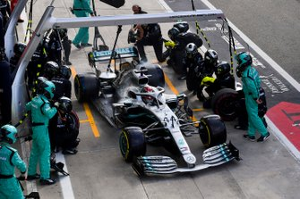 Lewis Hamilton, Mercedes AMG F1 W10 au stand