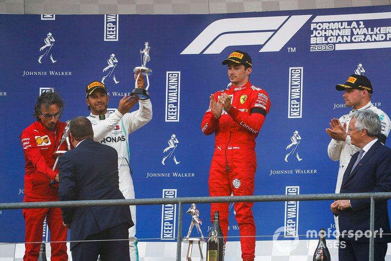 Podio: segundo lugar Lewis Hamilton, Mercedes AMG F1