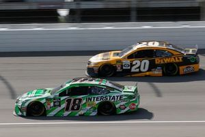 Kyle Busch, Joe Gibbs Racing, Toyota Camry Interstate Batteries Erik Jones, Joe Gibbs Racing, Toyota Camry DeWalt