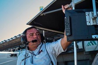 Инженер Грэма Рейхола (Rahal Letterman Lanigan Racing Honda) Дерек Дэвидсон