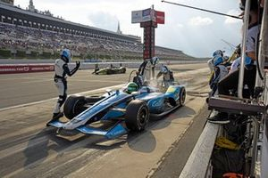 Conor Daly, Carlin Chevrolet pit stop