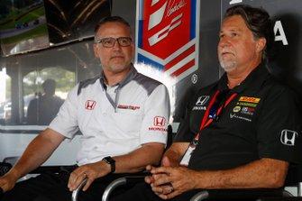 Il presidente HPD Ted Klaus, Michael Andretti annunciano che Rossi correrà per Andretti Autosport con motori Honda nel 2020