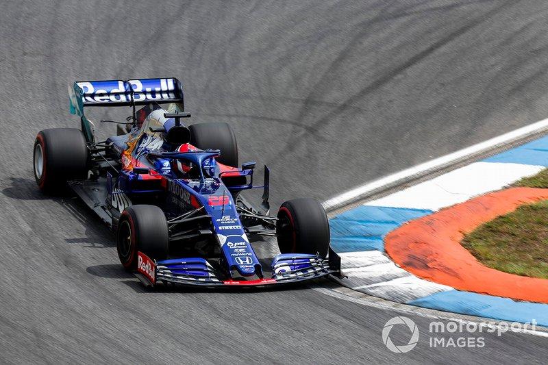 14 - Daniil Kvyat, Toro Rosso STR14 - 1'13.135