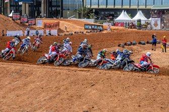 Acción de la carrera de MXGP en Palembang
