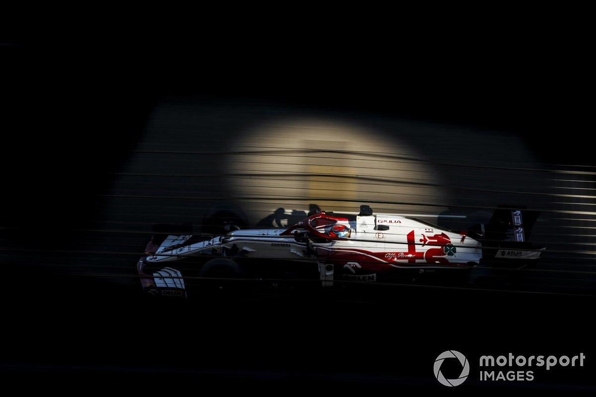 1. Alfa Romeo Racing C41: 422 vueltas (2283,864 km)