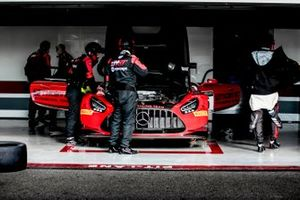 #5 Haupt Racing Team Mercedes-AMG GT3: Michele Beretta, Hubert Haupt, Sergey Afanasiev