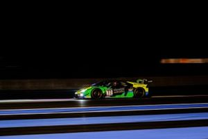 #77 Barwell Motorsport Lamborghini Huracan GT3 Evo: Leo Machitski, Rob Collard, Sandy Mitchell