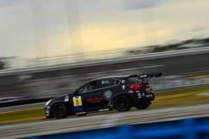 #5 KMW Motorsports with TMR Engineering, Alfa Romeo Giulietta Veloce TCR: Roy Block, Tim Lewis Jr.