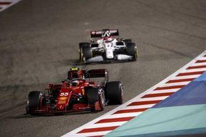 Carlos Sainz Jr., Ferrari SF21, Kimi Raikkonen, Alfa Romeo Racing C41