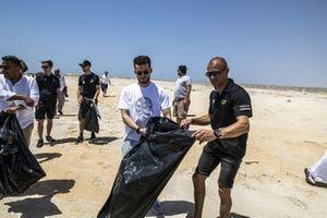 Stephane Sarrazin, Veloce Racing, maken het strand schoon