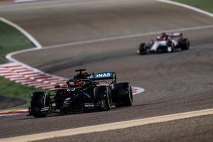 George Russell, Mercedes F1 W11, Kimi Raikkonen, Alfa Romeo Racing C39