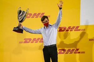 F2 Championship 2nd position Callum Ilott, UNI-Virtuosi celebrates on the podium with the trophy