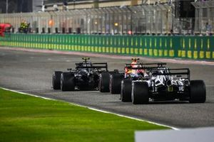 Valtteri Bottas, Mercedes F1 W11, Alex Albon, Red Bull Racing RB16, and Daniil Kvyat, AlphaTauri AT01