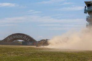 Scott Pye, Charlie Schwerkolt Racing runs wide