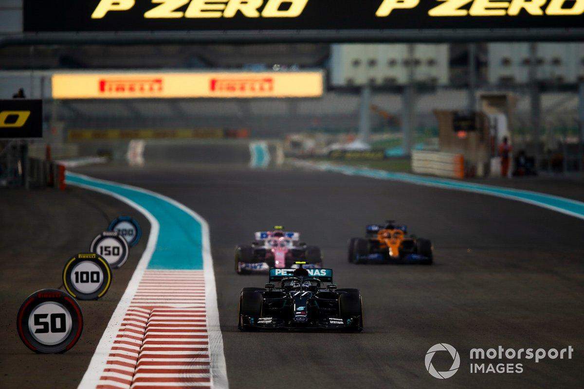 Valtteri Bottas, Mercedes F1 W11, Lance Stroll, Racing Point RP20, e Carlos Sainz Jr., McLaren MCL35
