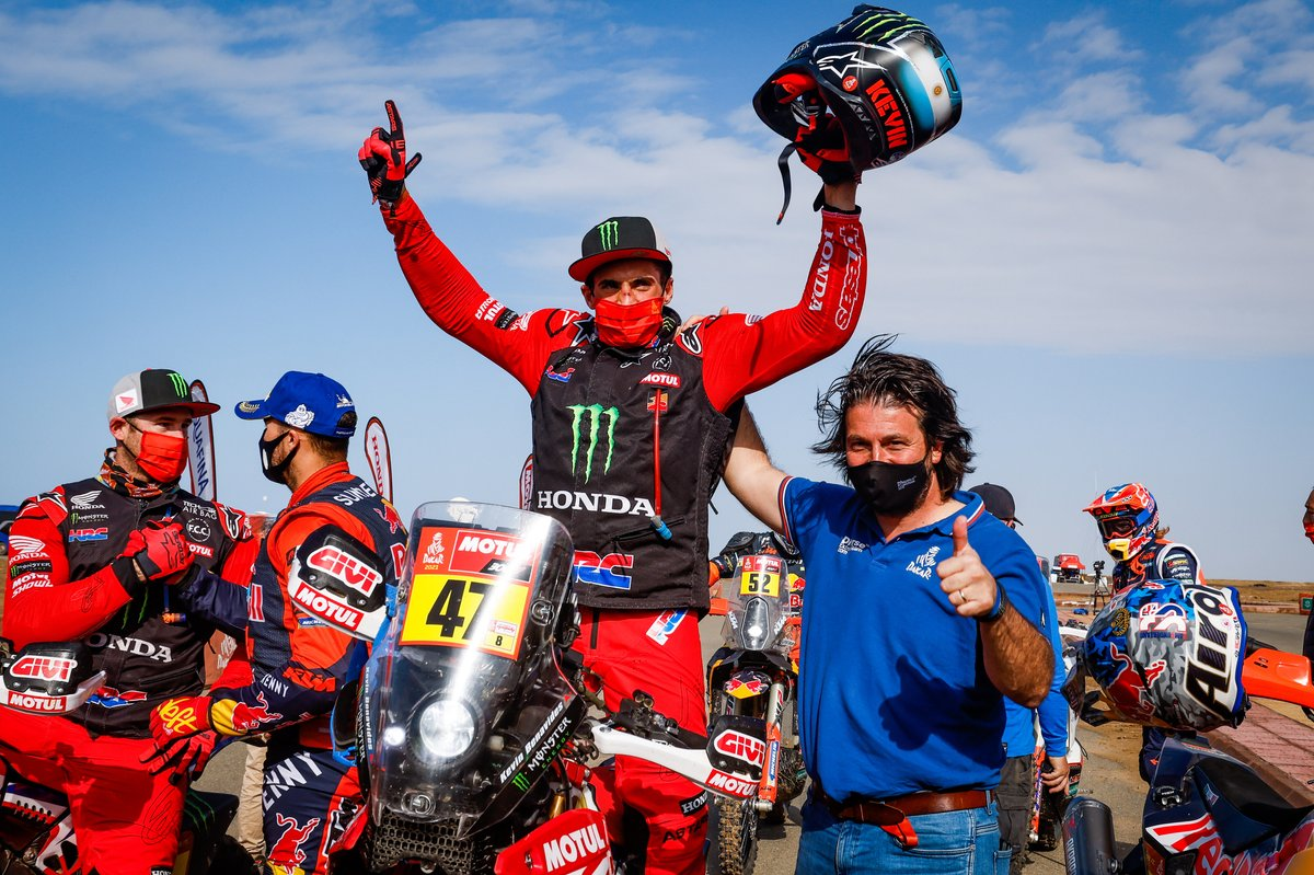 #47 Monster Energy Honda Team: Kevin Benavides, David Castera, Direttore della Dakar Rally