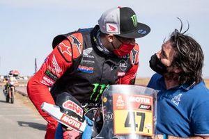 #47 Monster Energy Honda Team: Kevin Benavides and David Castera, Director of the Dakar Rally