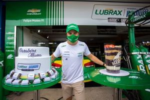 Felipe Massa celebra 40 anos de idade