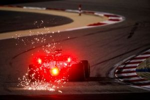 Sparks fly from Pietro Fittipaldi, Haas F1 Haas VF-20