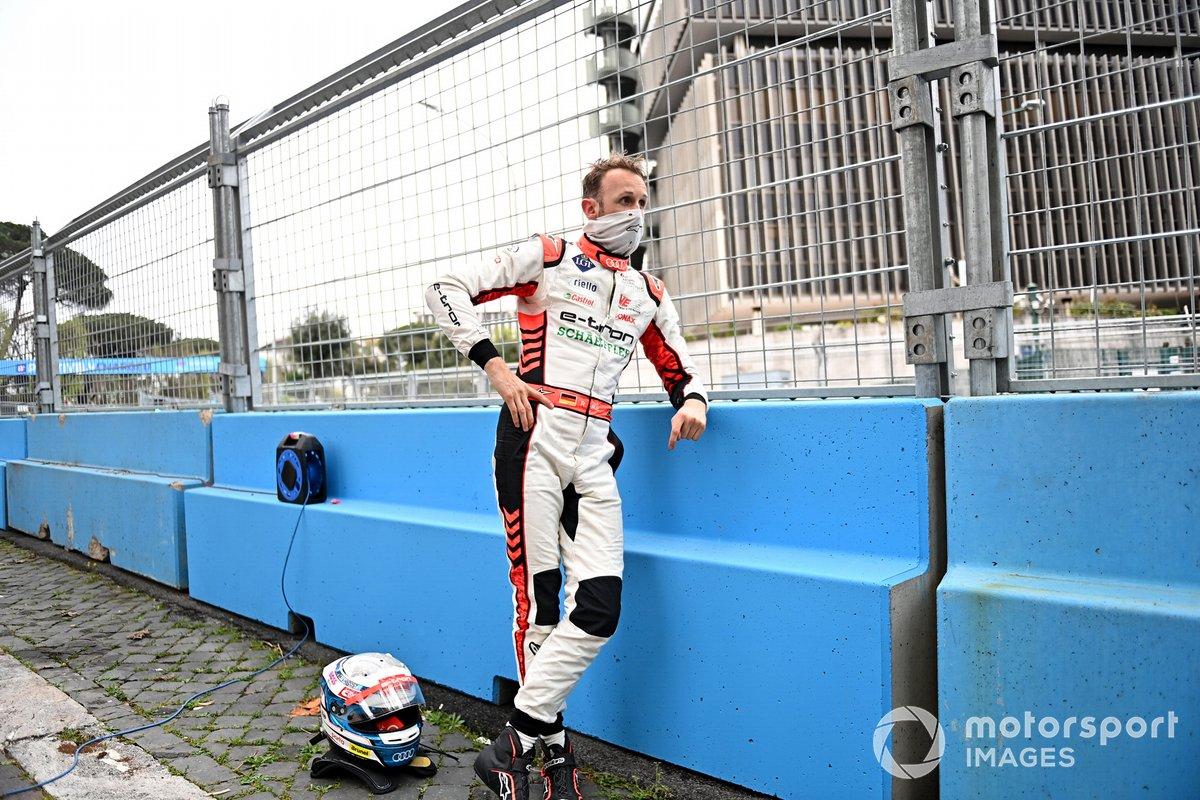 Rene Rast, Audi Sport ABT Schaeffler, después de su accidente