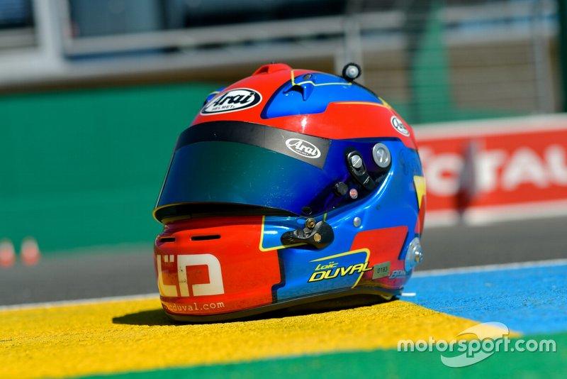 Helmet of Loic Duval