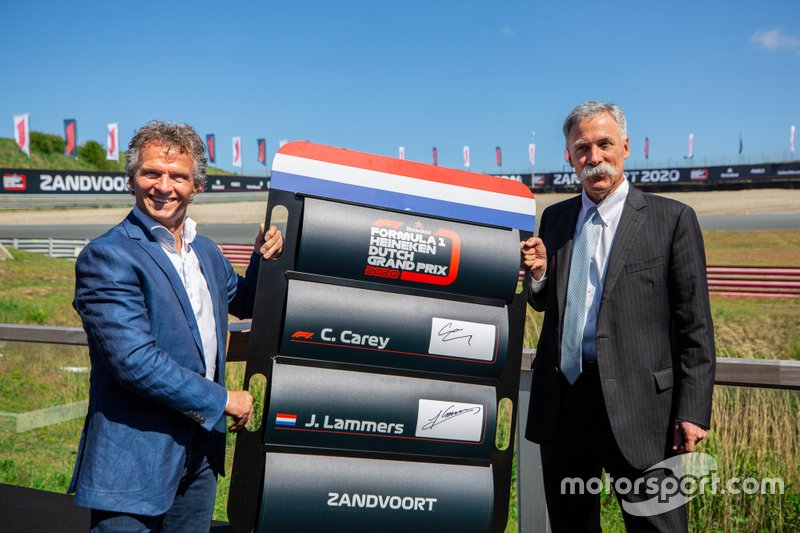 Jan Lammers with Chase Carey, Formula One CEO