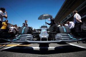 La voiture de Valtteri Bottas, Mercedes AMG W10, sur la grille de départ
