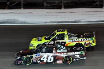 Chandler Smith, Kyle Busch Motorsports, Toyota Tundra iBUYPOWER/828 Logistics, Matt Crafton, ThorSport Racing, Ford F-150 Ideal Door/Menards