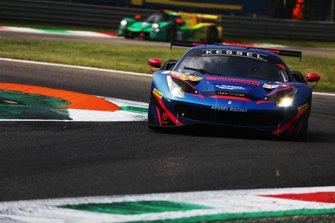 #83 Kessel Racing Ferrari F488 GTE: Manuela Gostner, Rahel Frey, Michelle Gatting