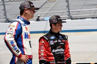 Todd Gilliland, Kyle Busch Motorsports, Toyota Tundra Mobil 1, Harrison Burton, Kyle Busch Motorsports, Toyota Tundra Safelite AutoGlass