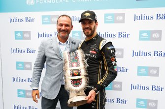 Jean-Eric Vergne, DS TECHEETAH receives the pole position Julius Baer award