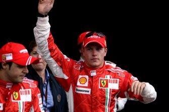 Kimi Raikkonen, Ferrari F2007, Felipe Massa, Ferrari F2007 ve Fernando Alonso, McLaren MP4-22 Mercedes