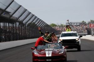 Simon Pagenaud, Team Penske Chevrolet, Victory Lane, Corvette Pace Car