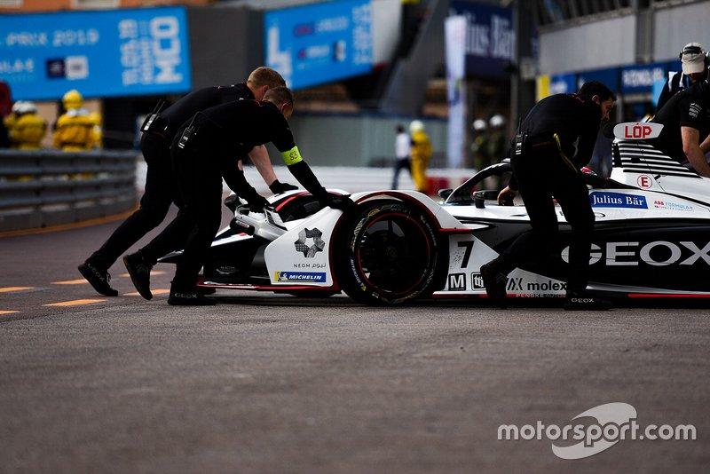 Jose Maria Lopez, Dragon Racing, Penske EV-3 is pushed back into the garage