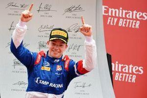 Подиум: победитель Роберт Шварцман, Prema Racing