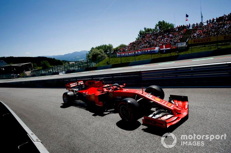 Vettel versenyeinek több, mint felén, 115 alkalommal tudott eddig dobogóra állni.