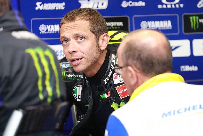 Команда Yamaha прервала серию гонок без побед благодаря первому месту Виньялеса. Но аналогичная серия для самого Росси продолжается: он не побеждал уже два года или 35 гонок