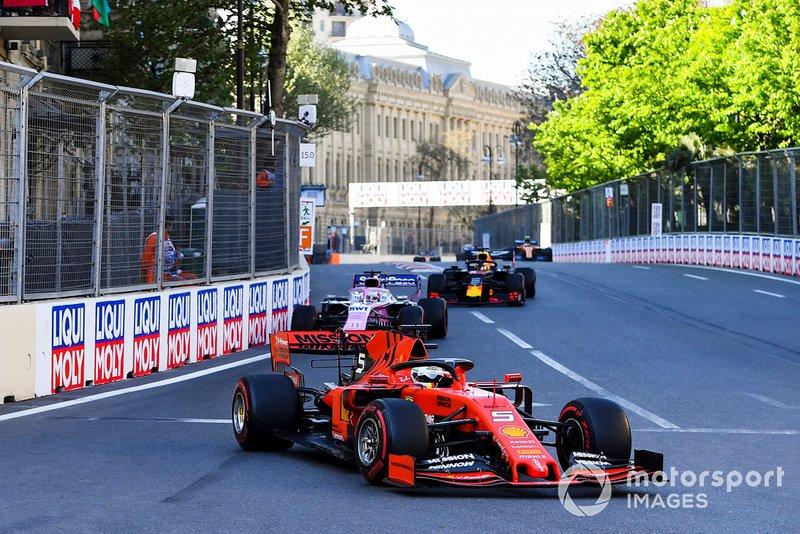 Sebastian Vettel, Ferrari SF90, Sergio Perez, Racing Point RP19, Max Verstappen, Red Bull Racing RB15