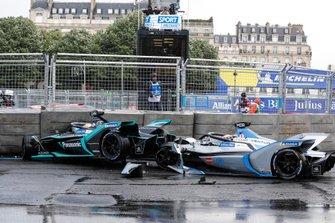 Авария с участием Алекса Линна, Panasonic Jaguar Racing, и Эдоардо Мортары, Venturi Formula E