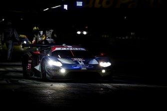 #66 Ford Chip Ganassi Racing Ford GT, GTLM: Joey Hand, Dirk Mueller, Sebastien Bourdais, pit stop