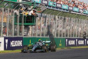 Winnaar Valtteri Bottas, Mercedes AMG W10