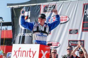Race Winner Cole Custer, Stewart-Haas Racing, Ford Mustang Thompson Pipe/Haas CNC